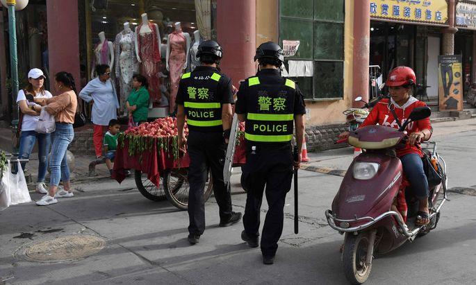 """In Zusammenhang mit dem Uigurenakt wirft China den Amerikanern """"Heuchelei"""" und """"böse Absichten"""" vor."""