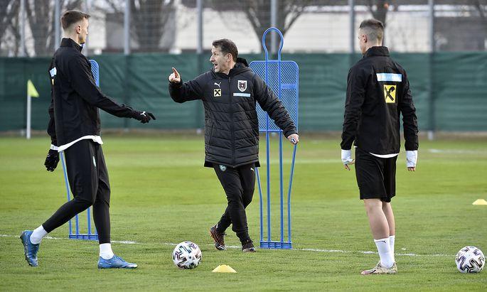 Franco Foda bei einem Training