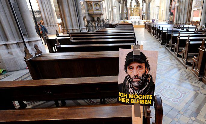 Archivbild: Besetzung der Votivkirche