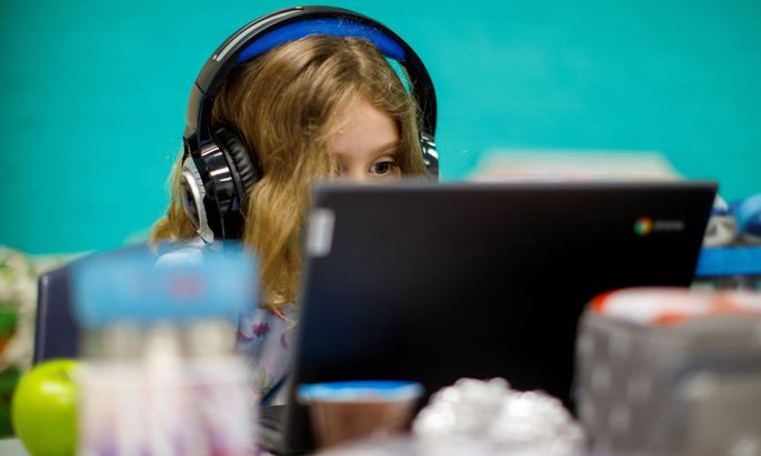 Wie ist es um den kompetenten Umgang mit Informationen im Web bei Schülern bestellt?