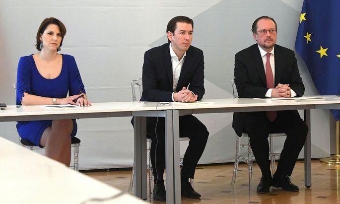 Europa-Ministerin Karoline Edtstadler und Außenmnister Alexander Schallenberg (im Bild mit Kanzler Kurz) fliegen gemeinsam nach Tirana, Belgrad udn Prishtina.