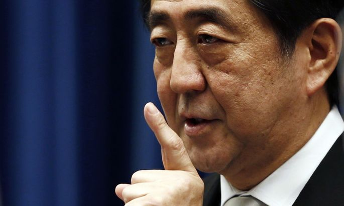 ie Wiederwahl von Shinz¯o Abe als Chef der Regierungspartei bringt Stabilität – für die Analysten ist das ein positives Signal.