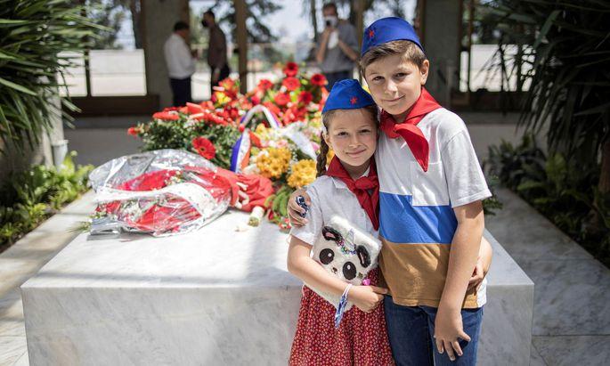 Zum Grab von Tito pilgern nur noch sehr selten junge Menschen – und auch das wahrscheinlich nicht ganz freiwillig.