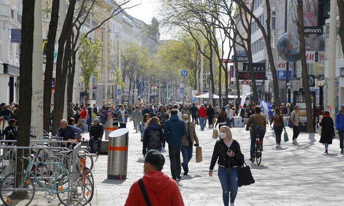 """Wien hat den """"harten"""" Lockdown am 3. Mai beendet. Geschäfte sowie persönliche Dienstleister haben wieder geöffnet. Und wie sehen die nächsten Schritte - etwa jene in der Gastronomie - aus? Darüber wird noch beraten."""