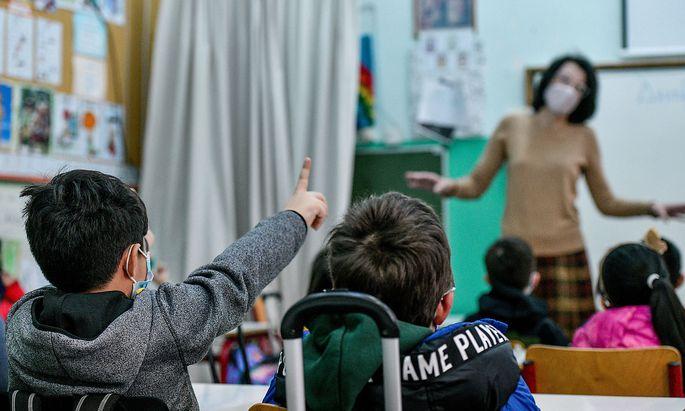 Kindergaerten, Grundschulen und Sonderschulen in Griechenland wurden heute trotz eines landesweiten Lockdowns, der bis z