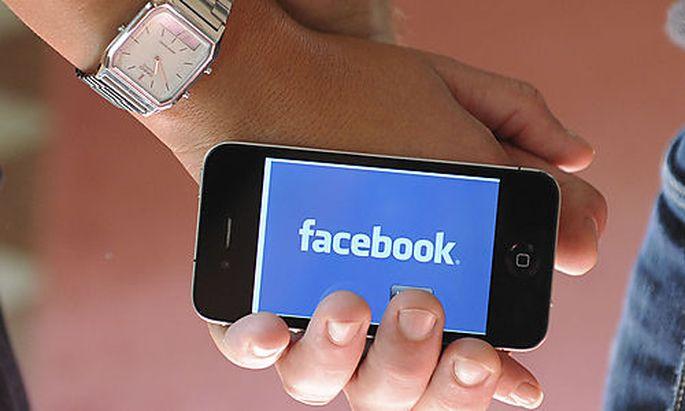 Facebook teilt Einträge ohne Nutzer zu fragen
