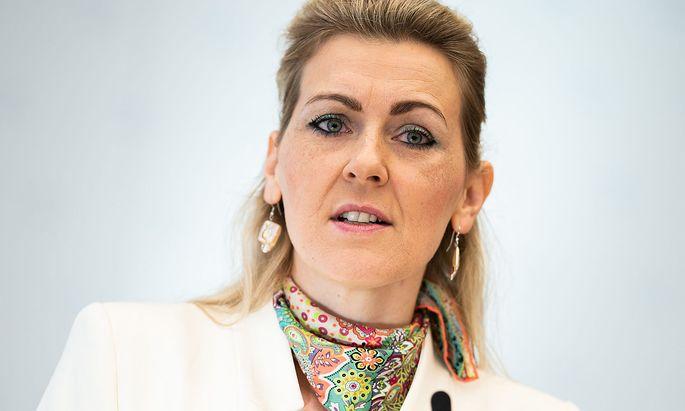 Die zurückgetretene Arbeisministerin Christine Aschbacher