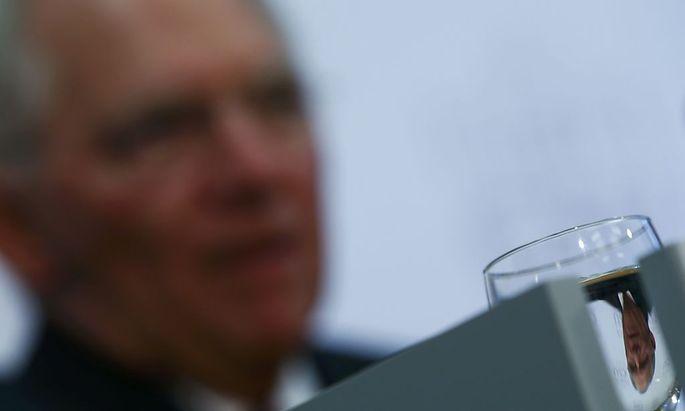 Wolfgang Schäuble findet klare Worte zur AfD und den Aussagen deren Chefin Frauke Petry.