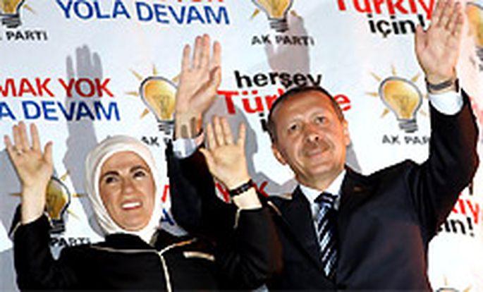 Recep Tayyip Erdogan mit seiner Frau