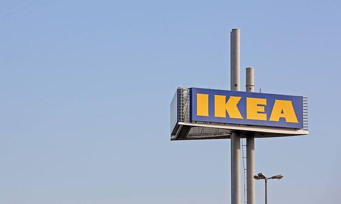 Die Ikea Filiale in Siegen Turm mit Logo Wirtschaft Feature IKEA Deutschland GmbH & Co KG am 13