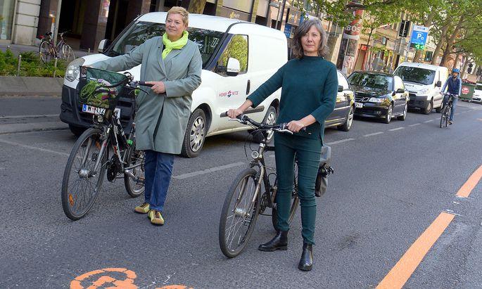 Die Grünen konnten sich in der Leopoldstadt nicht durchsetzen. Trotz - oder wegen - umstrittener Radwege. Bezirksvorsteherin Uschi Lichtenegger (links) muss weichen.