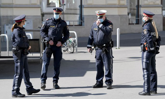 Demnächst soll die Polizei direkt, am Tatort sozusagen, Bußgeld einheben können.
