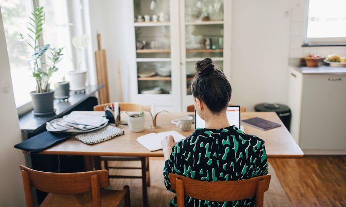 Für das Home-Office soll es steuerliche Vorteile geben.