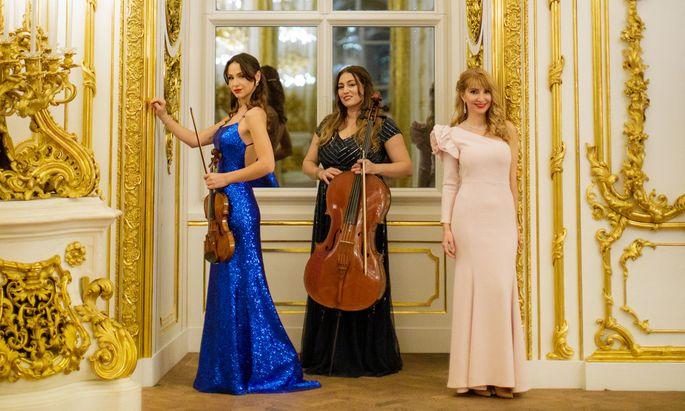 Rusanda Panfili, Teodora Miteva und Donka Angatscheva (v. l.) im Palais Liechtenstein.