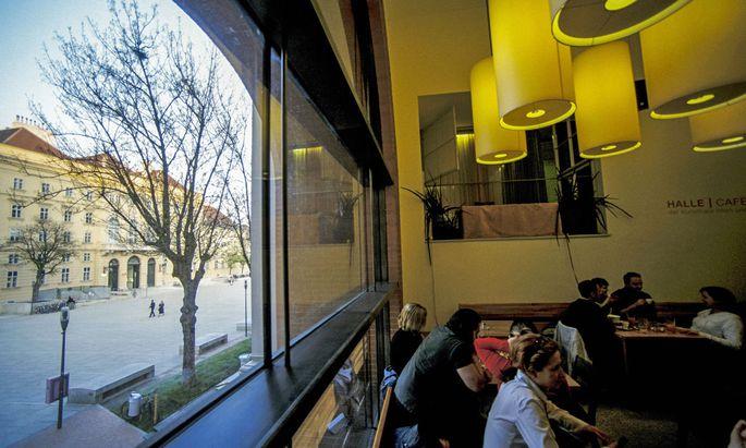 Das Café Halle, aufgenommen 2013