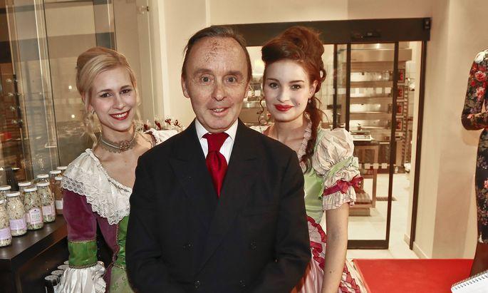 Julius Meinl V. (hier bei einer Geschäftseröffnung in Prag im Dezember 2013) ist in mehrere Ermittlungsverfahren involviert.