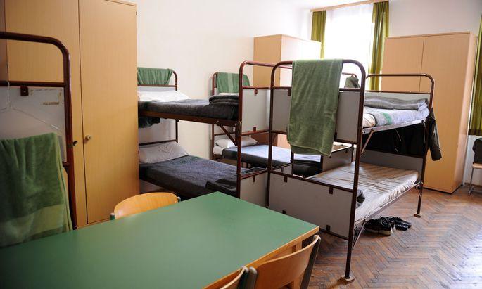 Blick in ein Zimmer von Rekruten in der Maria Theresien-Kaserne