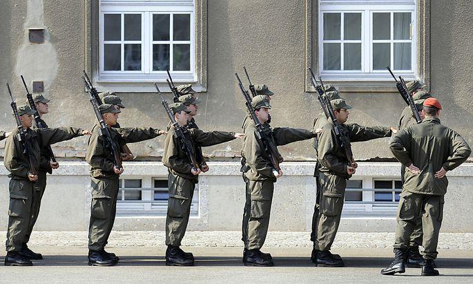 Sparkurs beim Heer: FPÖ warnt vor
