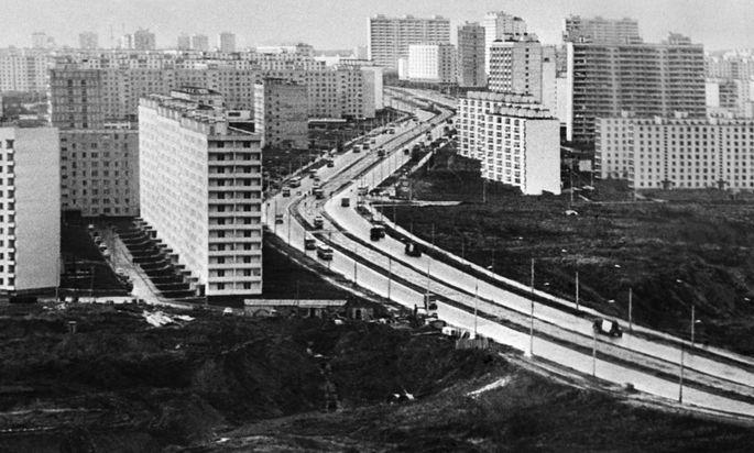 Zwischen Unorten und den kleinen Enklaven des Alltags im Moloch Moskau.