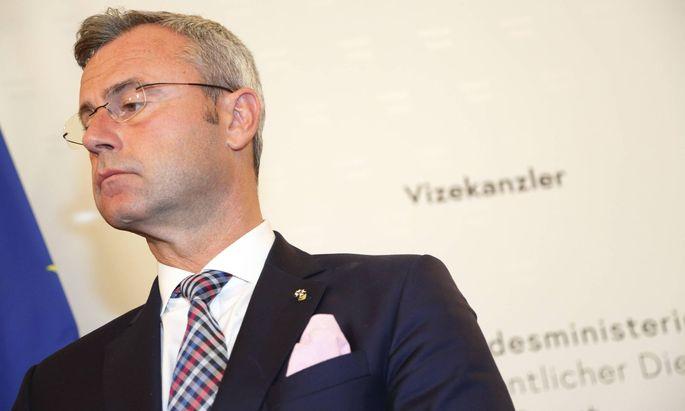 Norbert Hofers Gartenzaun wurde von der Partei bezahlt