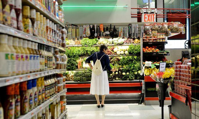 Wer abnehmen will, der muss seine Ernährungsgewohnheiten umstellen – genau das ist schwierig.
