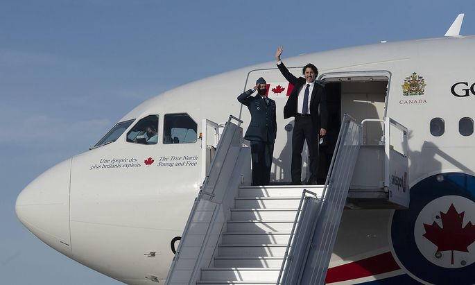 June 10, 2021, Ottawa, on, Canada: Prime Minister Justin Trudeau waves as he boards a government plane at the airport in