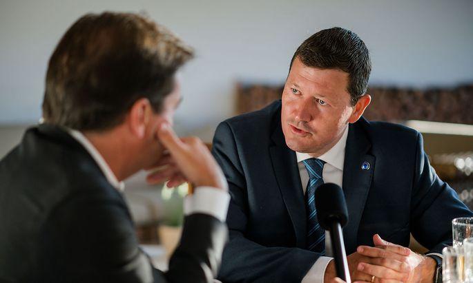 Martin Selmayr beim Gespräch mit Rainer Nowak in Alpbach.