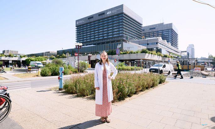 Assistenzärztin Johanna Strobl untersucht, was gewebsständige T-Zellen so resistent gegen äußere Einflüsse macht.