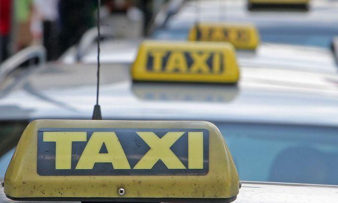 Der Kollektivvertrag für Taxifahrer regelt die arbeitsrechtlichen und Lohnbestimmungen.