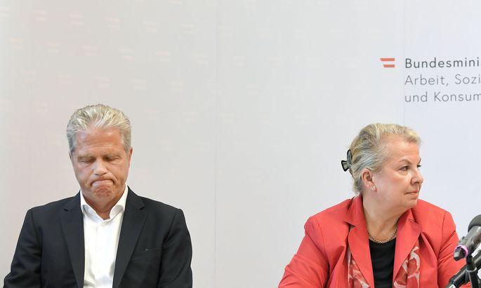 Die Opposition kritisiert die von AUVA-Obmann Ofner und Sozialministerin Hartinger-Klein vorgestellten Reformpläne.
