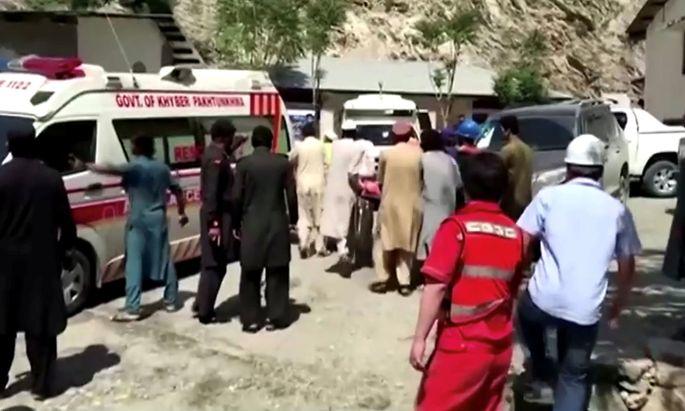 Deadly bus blast in Upper Kohistan