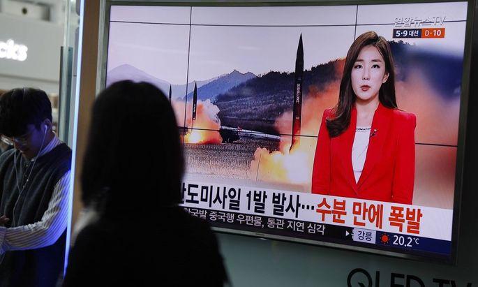 Nachrichten über den Raketenstart in Südkorea