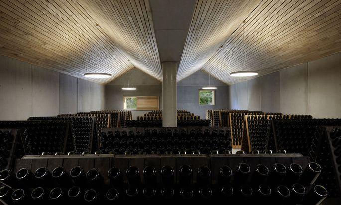 Noch von Hand gerüttelt wird der Sekt des Weinguts Bründlmayer im niederösterreichischen Langenlois.