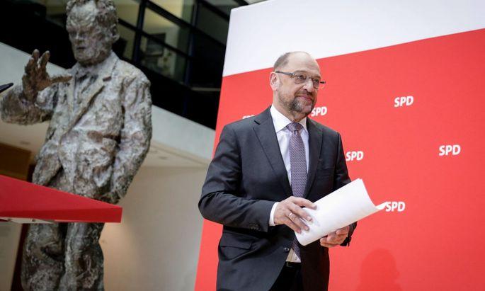 SPD-Chef Martin Schulz sieht sich von europäischen Partnern zum Eintritt in eine neue Große Koalition in Deutschland gedrängt