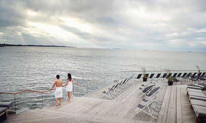 Im Allas Sea Pool (oben) gibt es Becken für Warmduscher, Eisschwimmer und natürlich eine Sauna.