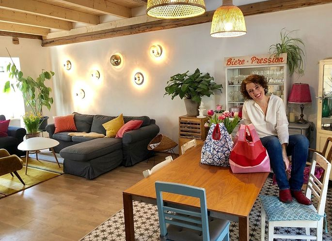 Restaurierte Möbel, viele Pflanzen, leuchtende Deko, liebevolle Details: Das Reich von Sandra Gilles.