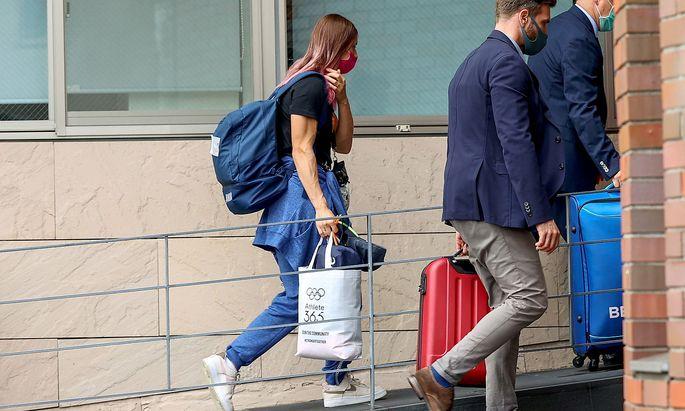 Die Leichtathletin Timanowskaja bei ihrer Ankunft in der polnischen Botschaft in Tokio.