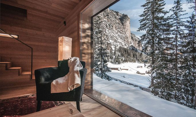 Blick aus der Mountain Lodge Tamersc in den Südtiroler Dolomiten.