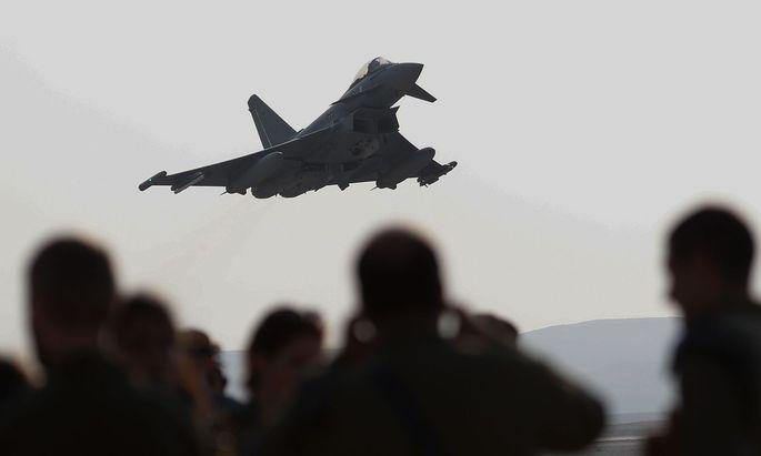 2003 wurden die Eurofighter angekauft, die Diskussion darüber hält immer noch an.