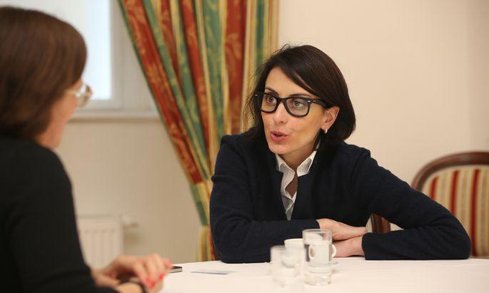Ex-Polizeichefin Khatia Dekanoidze kritisierte bei einer Tagung in Wien den mangelnden Reformwillen der Kiewer Regierung.