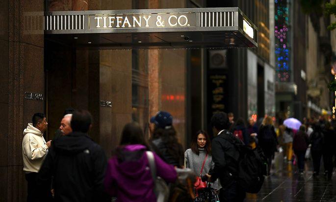 US-TIFFANY-LVMH-enterprises-merger-luxury