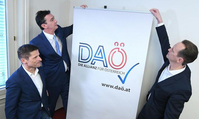 Die drei bisherigen Wiener FPÖ-Mandatare Dietrich Kops, Karl Baron und Klaus Handler (v. l.) präsentierten am Dienstag die neue Partei: Die Allianz für Österreich, kurz DAÖ.