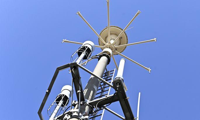 In den nächsten Monaten müssen Tausende Funkmasten für das 5G-Netz errichtet werden. Das braucht Geld – und Zeit.