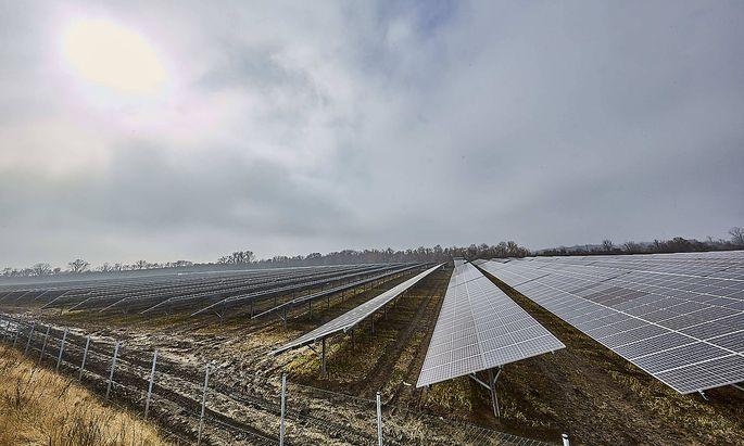 Bei der Solarenergie ist die Lücke zwischen BUnd und LÄndern am größten. Im Bild eine Solaranlage in Wien Donaustadt.