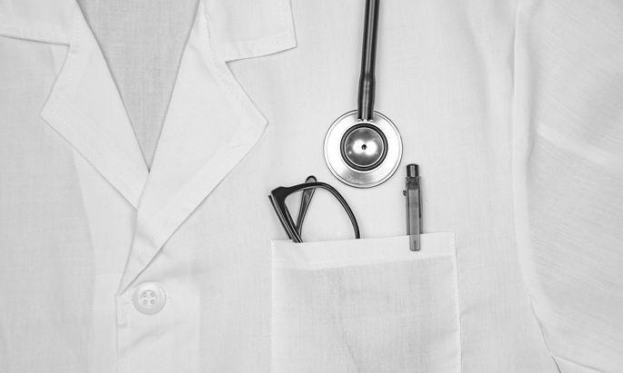 Fachärzte und Allgemeinmediziner, die im niedergelassenen Bereich arbeiten wollen, müssen ab Oktober nicht mehr zwangsläufig eine Ordination gründen, sondern können in einer angestellt werden.