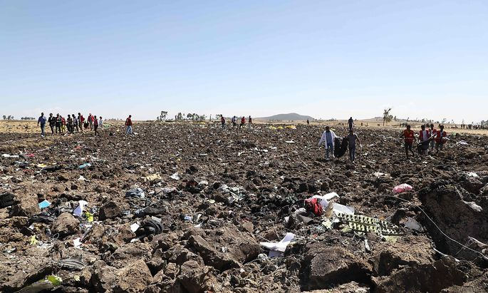 FILES-KENYA-ETHIOPIA-AIRPLANE-ACCIDENT