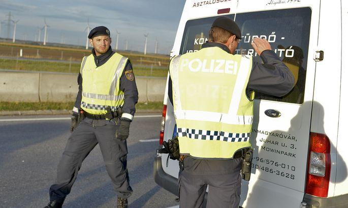 Live-Ticker: Österreich beginnt mit Grenzkontrollen