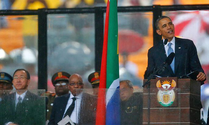 US-Präsident bei seiner Rede. Links: UN-Generalsekretär Moon