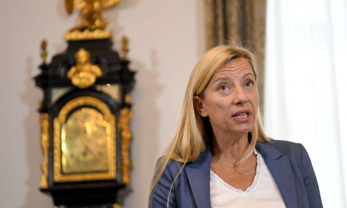 Familien- und Frauenministerin Juliane Bogner-Strauß (ÖVP)