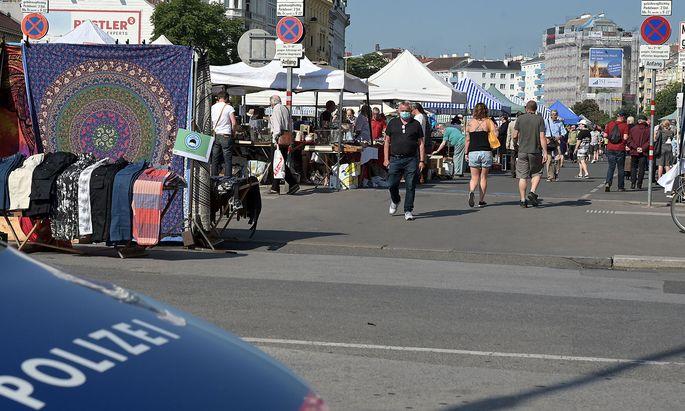 In Wien (Bild: Flohmarkt beim Naschmarkt) war die Entwicklung der wöchentlichen Todesfälle in der Altersgruppe ab 65 Jahren unauffällig.